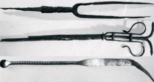 Deo medicinskih instrumenata pronađenih u manastiru.