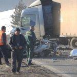 JEZIVA NESREĆA Dva mladića stradala kod Čajetine, auto u potpunosti smrskan (video)