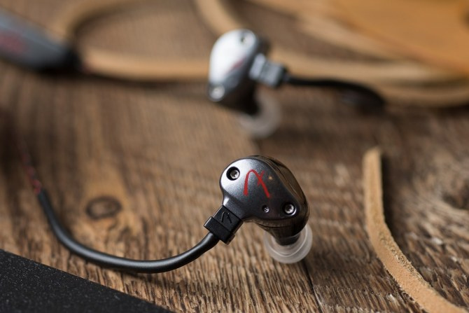 Fender PureSonic Premium Wireless 藍牙耳機 - 無聊至極 verylboring