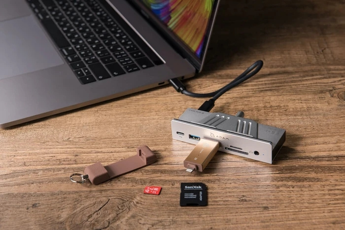 Adam Elements CASA Hub i8 USB-C 8合1 iMac 專用多功能集線器 - MoboPlus