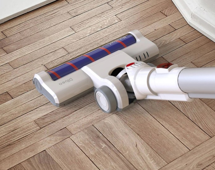 Roller type floor brush with suede design can reduce the twining of hair while protecting the floor from damage