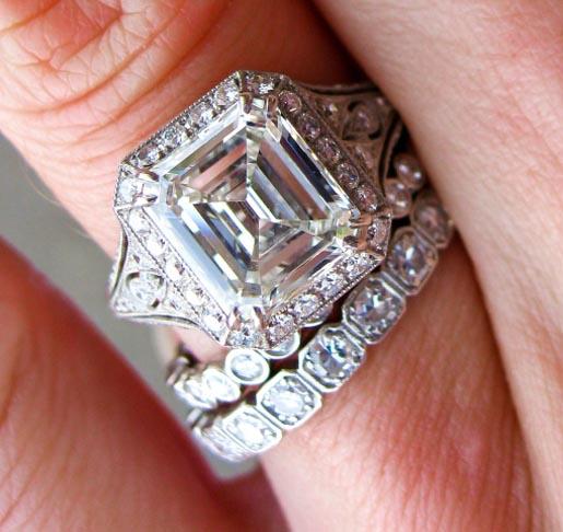 Jewel Of The Week Stunning 25 Carat Emerald Cut Diamond