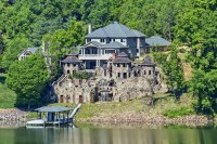 Knoxville Mansion With Medieval Village In Backyard ...