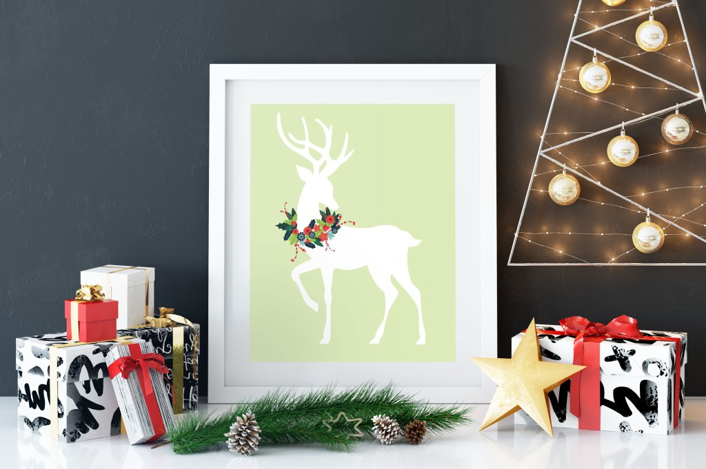 reindeer-with-wreath