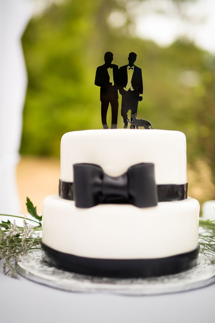 Cool Cake Toppers From the Simple to the Simply Divine
