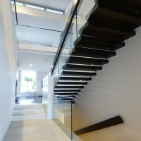 Single Stringer Wooden or Laminated Glass Treads Floating ...