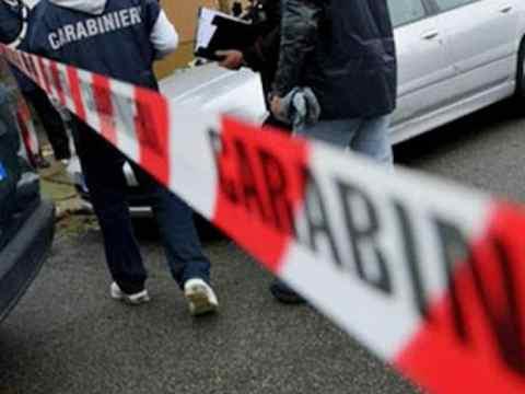 Cronaca Caltanissetta - Mussomeli, uccide ex compagna e figlia, poi si spara