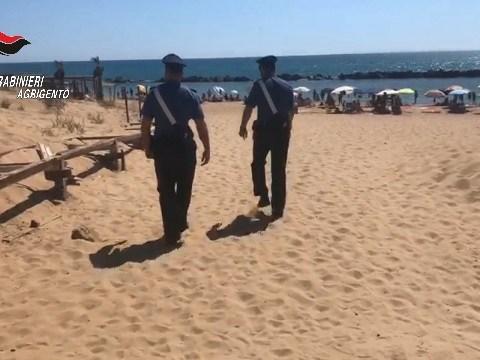 carabinieri Agrigento in spiaggia