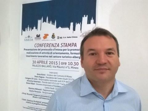Paolo Ragusa su tendopoli a Vizzini