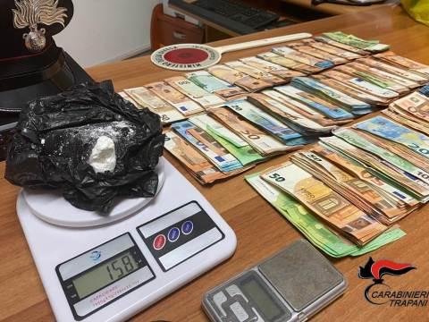 Marsala, arrestato per droga aveva in casa oltre 38 mila euro