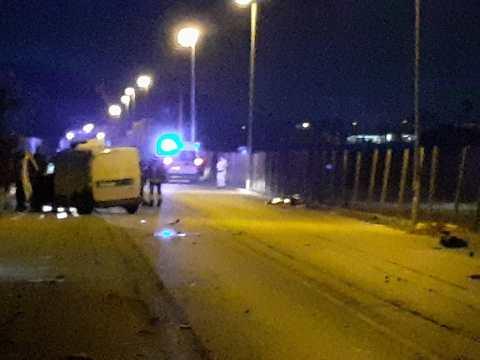 Altra strage questa sera incidente mortale al km 3 da Scoglitti verso Vittoria. La vittima è un giovane di 25 anni.