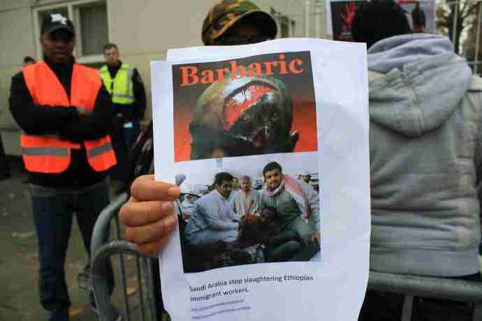 fotoreportage demonstratie van ethiopische vluchtelingen tegen saudi ambassade in den haag