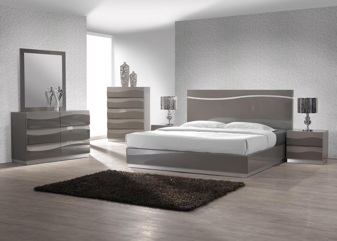Fashionable Quality Designer Bedroom Set Sacramento
