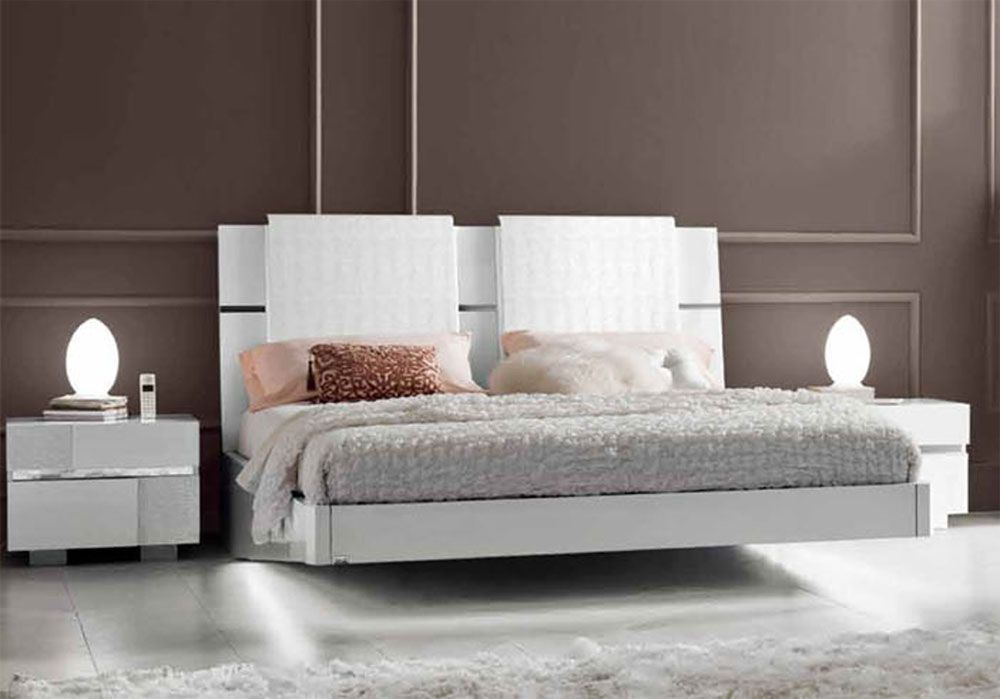 Lacquered Made in Italy Wood Modern Platform Bed with