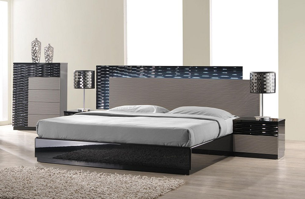 Lacquered Italian Design Wood High End Platform Bed