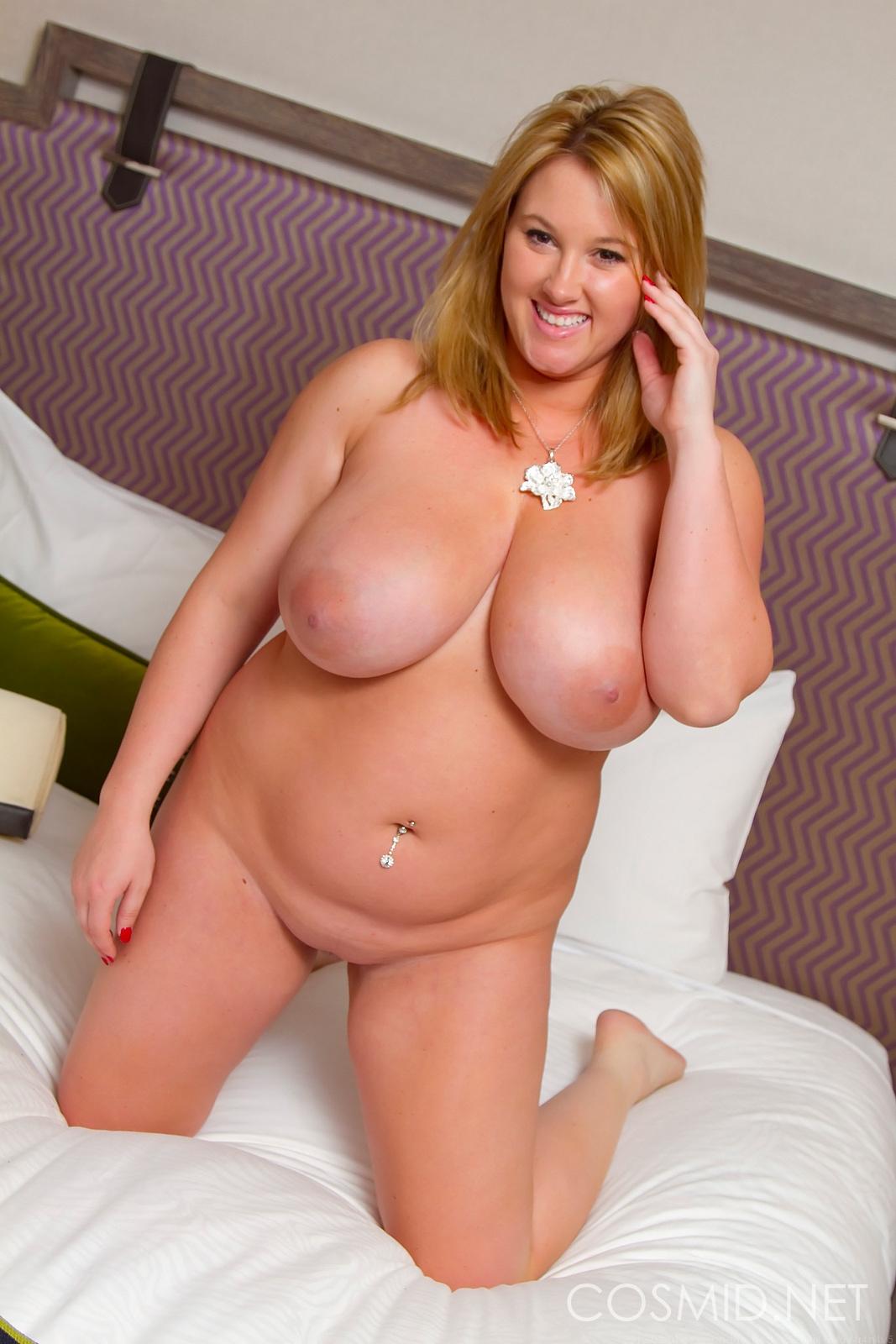 Naked Max Curvy Women-6151