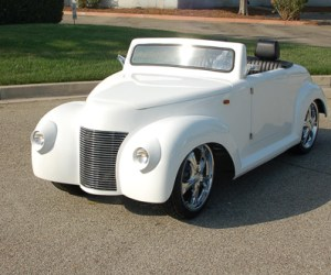 39 Roadster White Golf Cart