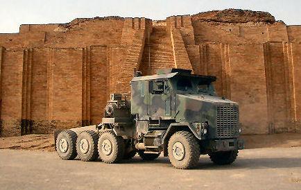 HET M1070 Heavy equipment transport