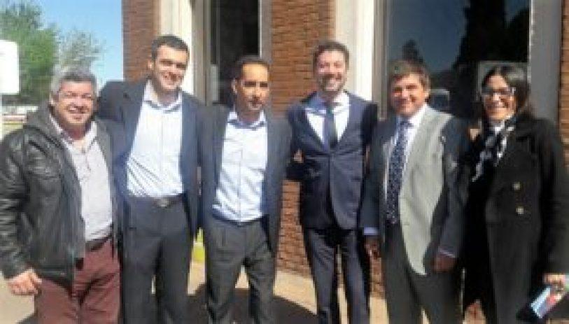 Los concejales de Cambiemos en Ituzaingó con Tagliaferro durante un encuentro en La Cantábrica