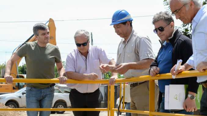 Recorrida obras Zabaleta y autoridades de AySA