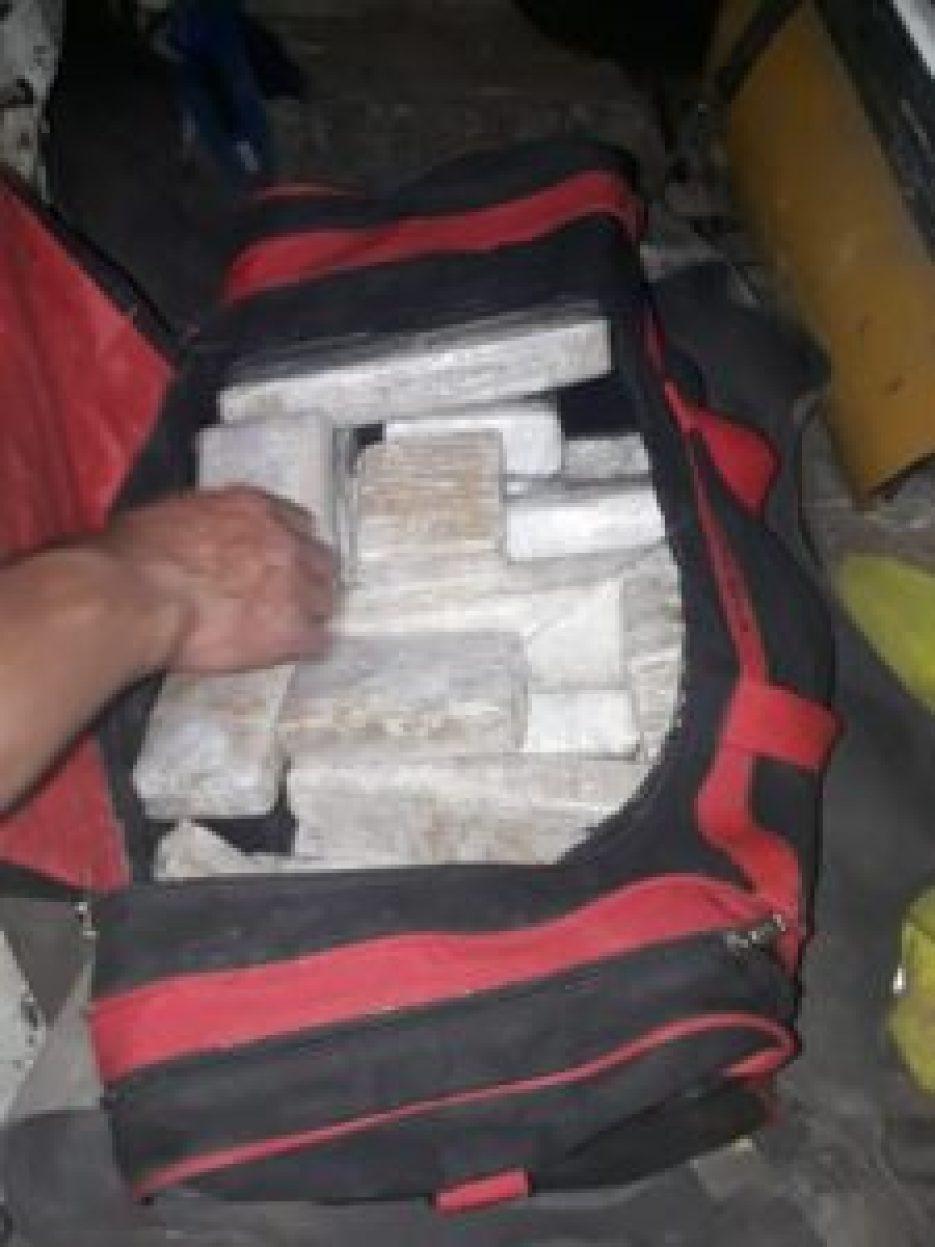 Detenidos con droga en Moreno
