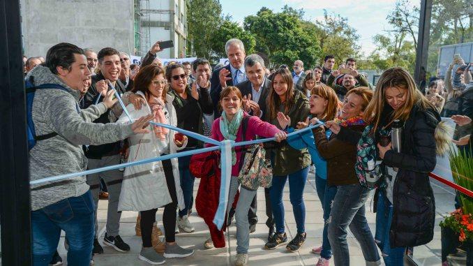 Zabaleta y Perczyk inauguran el nuevo edificio de la UNAHUR