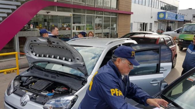 Falsificadores de autos