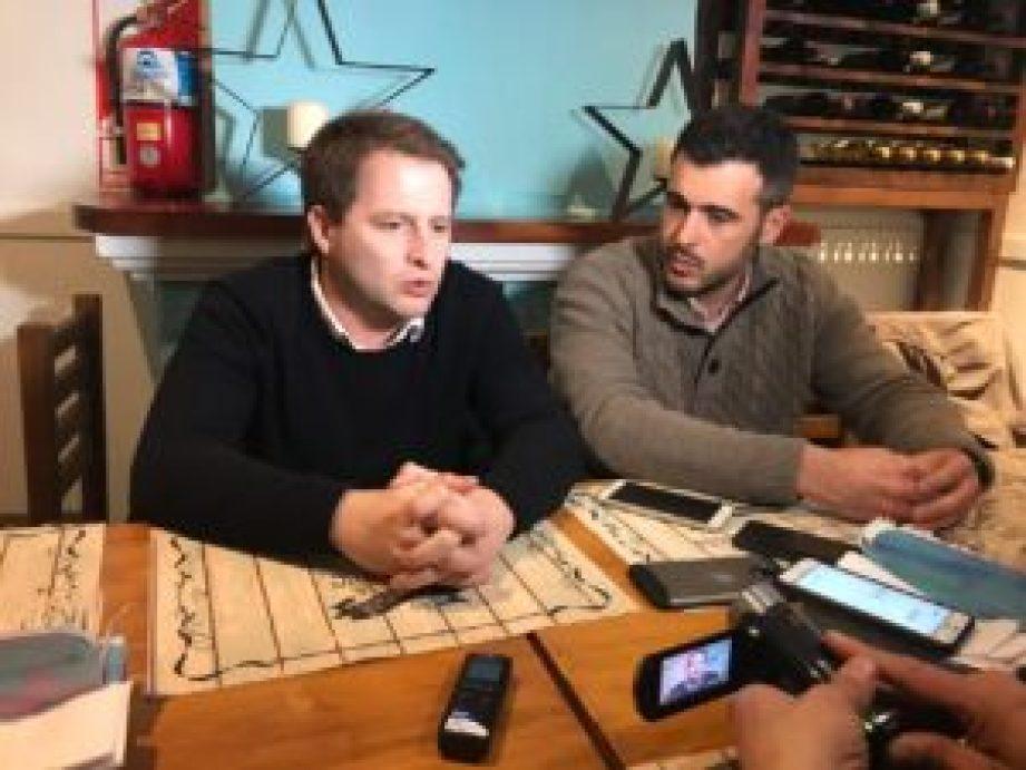 Di Castelnuovo brindó una conferencia de prensa junto a Alex Campell, subsecretario de Asuntos Municipales provincial para dar detalles del hospital