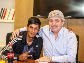 Alberto Fernández con Brian