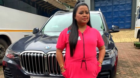 Bharti Singh With Her Car