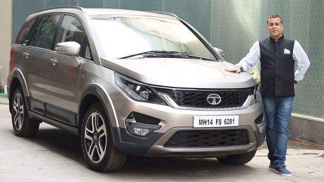 Chetan Bhagat With His Car