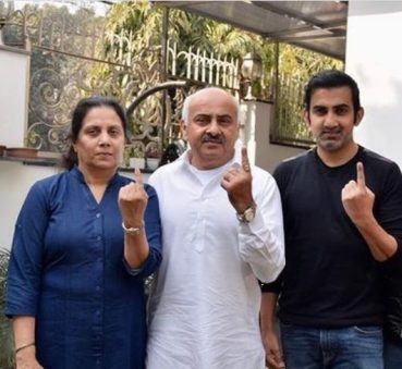 Gautam Gambhir With His Father And Mother