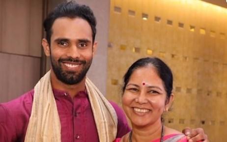 Hanuma Vihari With His Mother