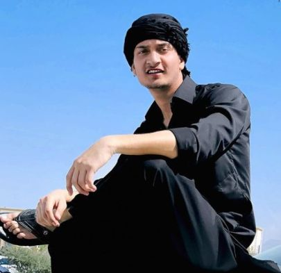 Junaid Malik Biography, Height, Weight, Age, Instagram, Girlfriend, Family, Affairs, Salary, Net Worth, Photos, Facts & More