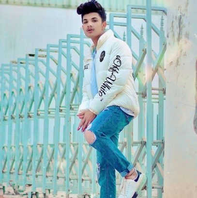 Manish Tanwar Biography, Height, Weight, Age, Instagram, Girlfriend, Family, Affairs, Salary, Net Worth, Photos, Facts & More