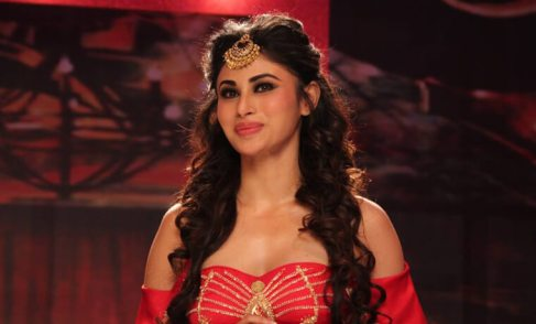 Mouni Roy Biography, Height, Age, TV Serials, Husband, Family, Salary, Net Worth, Awards, Photos, Facts & More