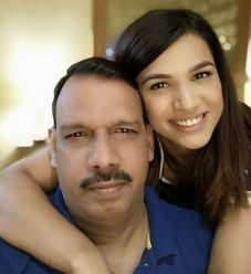 Naina Singh With Her Father