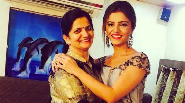 Rubina Dilaik With Her Mother