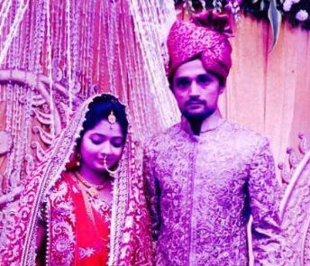 Shahbaz Nadeem With Wife
