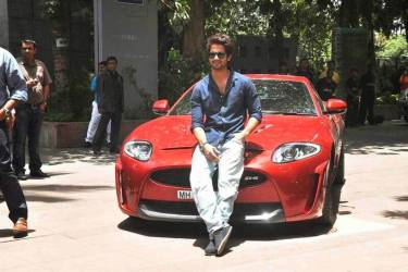 Shahid Kapoor With His Car