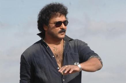 V. Ravichandran Biography, Height, Weight, Age, Movies, Wife, Family, Salary, Net Worth, Facts & More