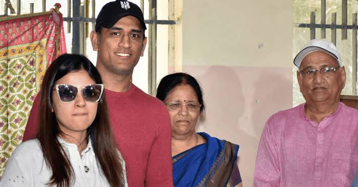 M. S. Dhoni Parents And Wife