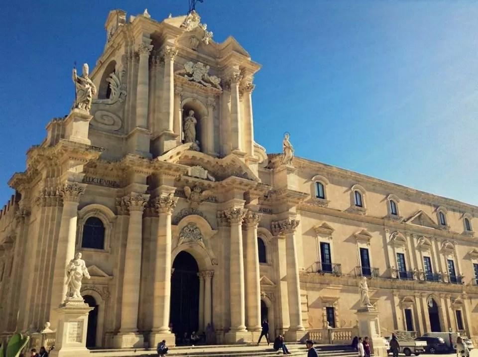 co zobaczyć na Sycylii, Syrakuzy, Ortigia, co warto zobaczyć w Syrakuzach, katedra w Syrakuzach, Syrakuzy katedra