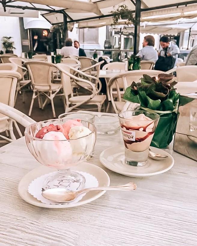 Piazza dei Martiri, Neapol, lody w Neapolu, co zjeść w Neapolu