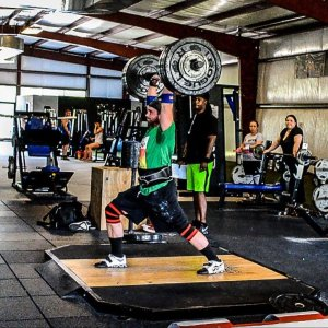 Bobby Sowers strongman weightlifting, Image by Primo Chalk