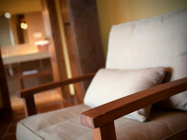 Detalle habitación principal en la casa rural para 10 personas en Llanes