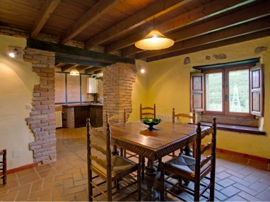 Eating room for 6 people in the holiday house in Camijanes