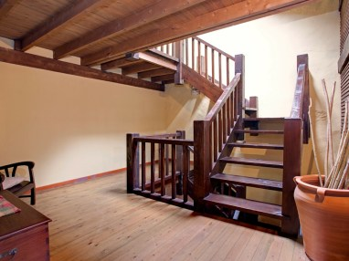 Holiday house for 8 people in Camijanes stairs