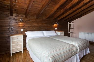 dormitorio-dos-camas-planta-superior-2