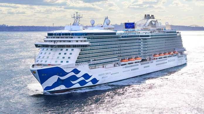 Resultado de imagen de Royal Princess Cruise Ship back at sea